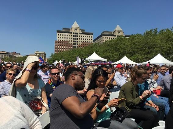 Photo: Crowd waiting for Gary Vaynerchuk Photo Credit: Esther Surden