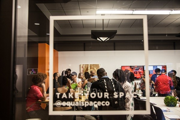 Awesome Behind The Glass Public Space Coworking Opens In Newark To Download Free Architecture Designs Scobabritishbridgeorg