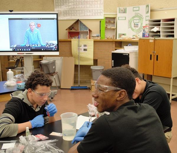 Students taking V-Lab instruction at school